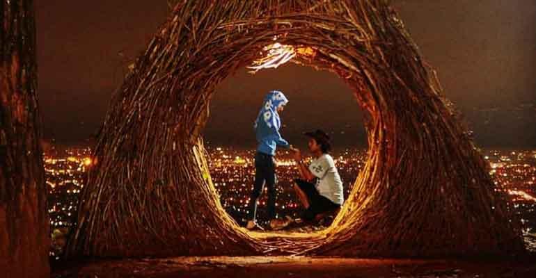 Romantisnya Pinus Pengger Tempat Wisata Di Jogja Malam Hari Jogja Yogyakarta Istimewa